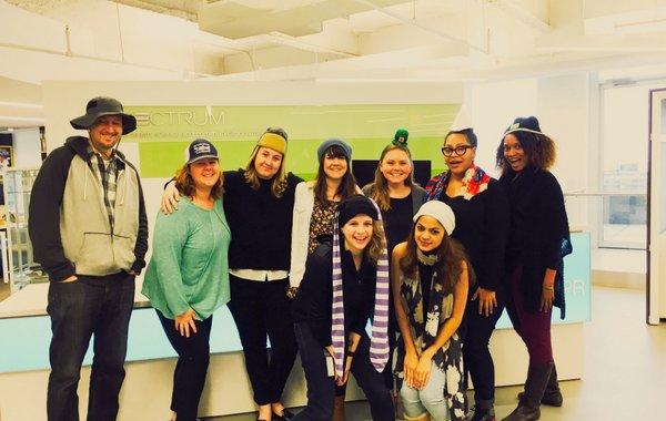 Campanha global que incentiva foto com chapéu alerta para progéria