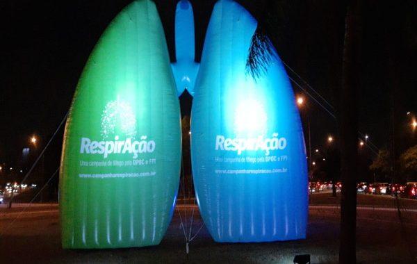 Encerramento de campanha ilumina pulmão gigante em São Paulo