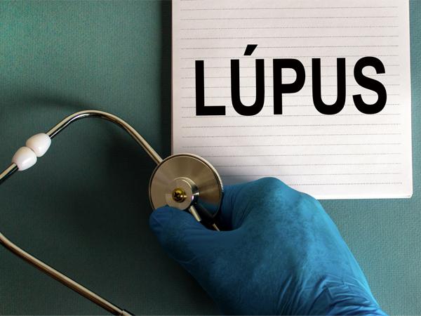 Conscientização e adesão ao tratamento são pilares para controle da lúpus